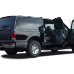 2003 Ford Excursion XLT open doors