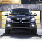 2015 Lincoln Navigator Black Front View Grille