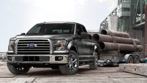 2015 Ford F-150 Towing Heavy Steel Pipes