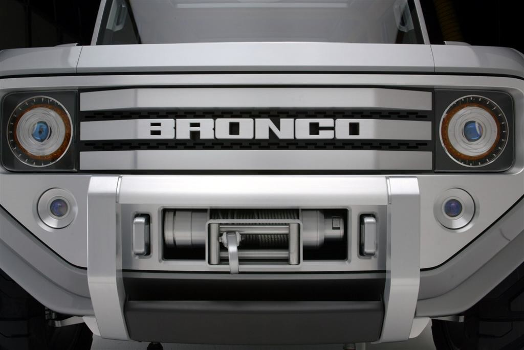 2005 Bronco Concept Grill With Winch